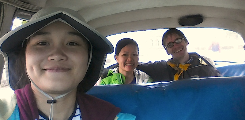 [Thao, Quynh and Neil in a Cuban Taxi]